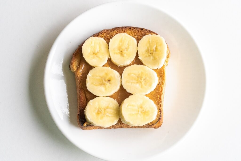 toast with peanut butter and banana slices